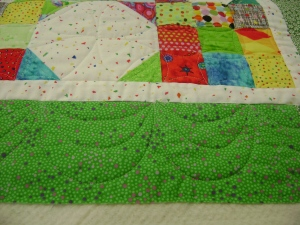 Border of snowball quilt